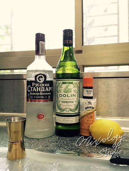 Bar28-05 伏特加馬丁尼Vodka Martini 材料.jpg