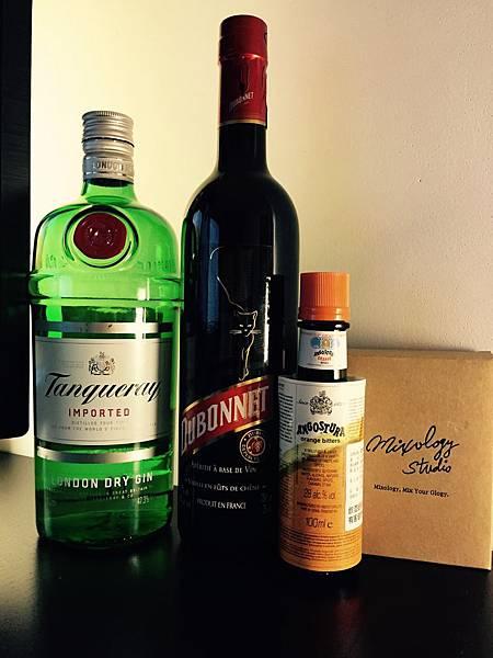 Bar35-03 多寶利雞尾酒Dubonnet Cocktail材料.jpg