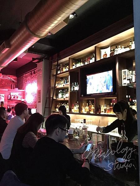 MA02 酒牆.jpg