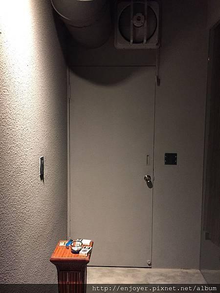 OT03 吸煙室.jpg