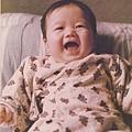 柏元小時候笑的開懷