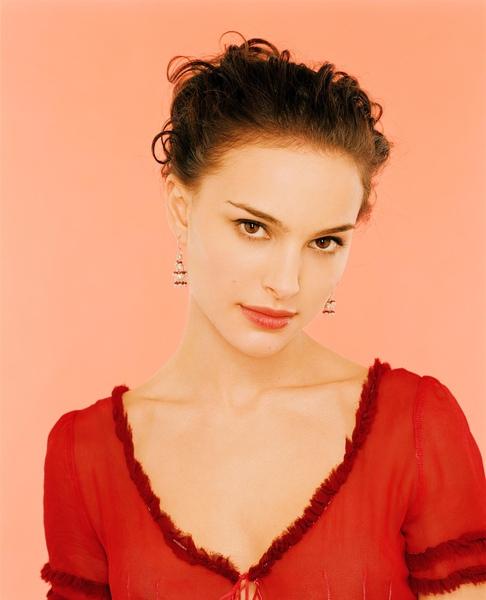 natalie portman red elegance.jpg