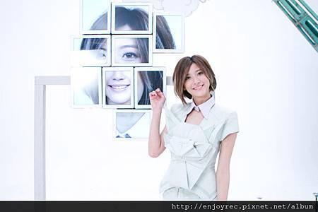 林逸欣拍公主沒病MV導演巧思ipad拼臉2