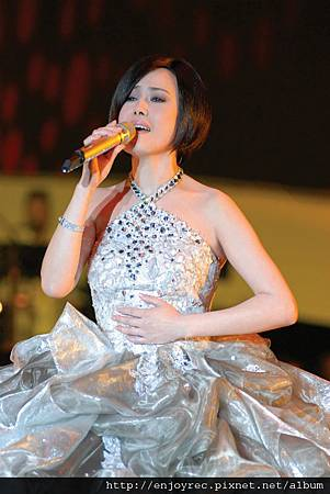 <鏡花水月>演唱會創紅盤 開賣首日7場完售 江蕙傳奇又添一樁