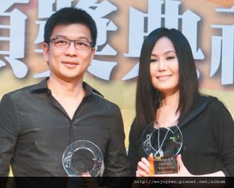 江蕙(右)、陳子鴻合作多年,默契絕佳。