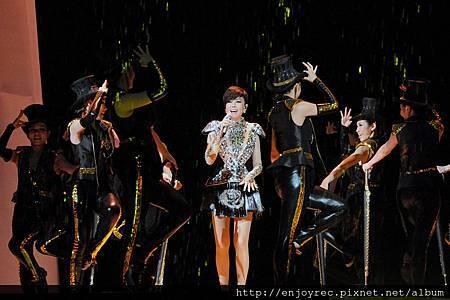永遠要給歌迷不一樣的表演 江蕙創造演唱會新格局