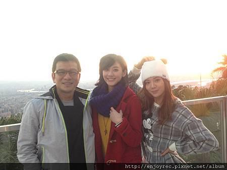 陳子鴻老師跟旗下兩個當家女神林逸欣 (2)