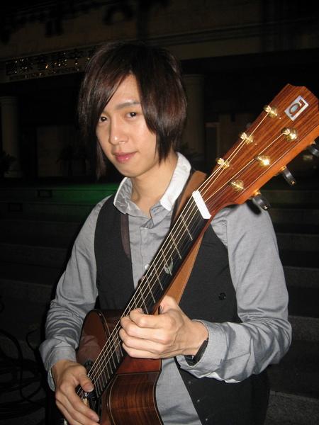 阿鑌拿新吉他-1