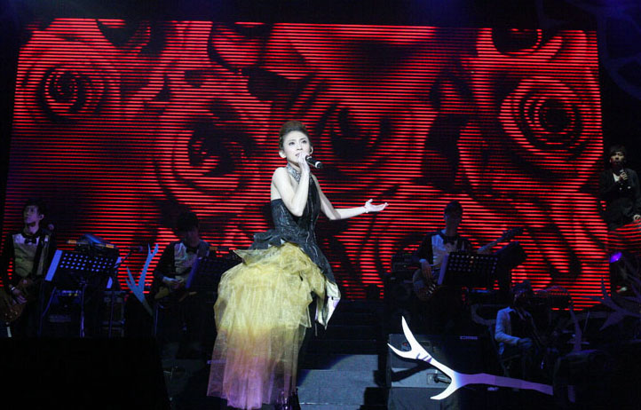 戴佩妮出道十年首度回馬開唱-1.JPG
