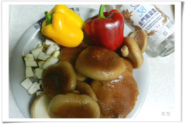 糖醋菇菇-38度金門高樑01.jpg