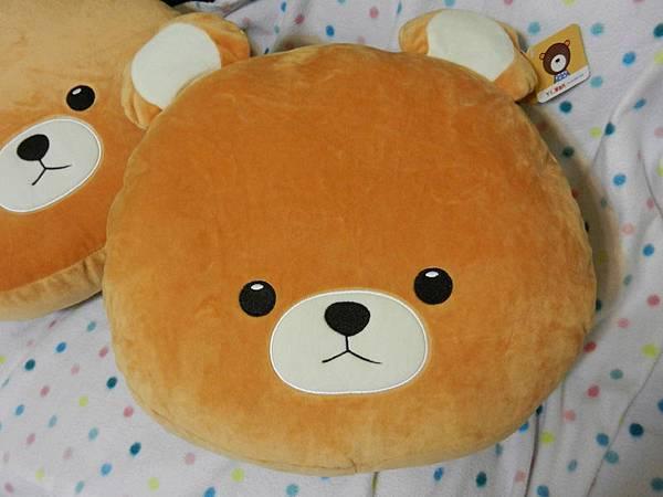 HOLA酷酷熊造型保暖套手抱枕 (12).JPG