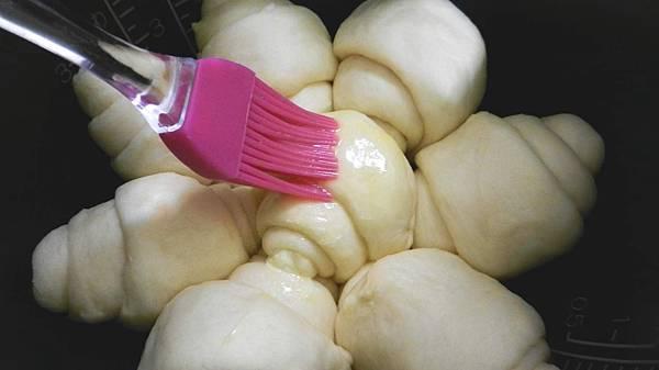 電子鍋版奶油麵包 (13).JPG