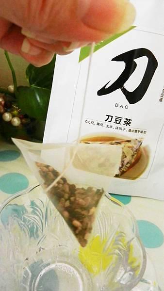 台灣茶人切油斬臭輕纖刀豆茶3角立體茶包 (10).JPG