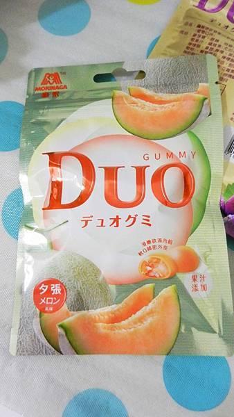 台灣森永製菓-DUO嘟歐雙層QQ軟糖(葡萄+夕張哈蜜瓜) (3).JPG