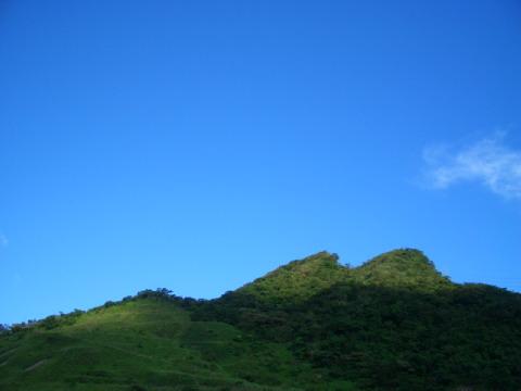 很藍的、很舒服的天空~