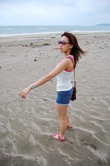 走在沙灘上