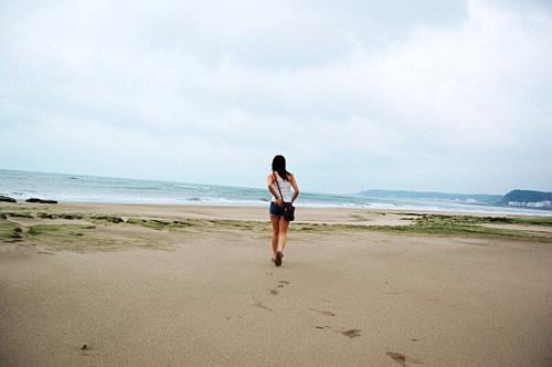海邊的背影