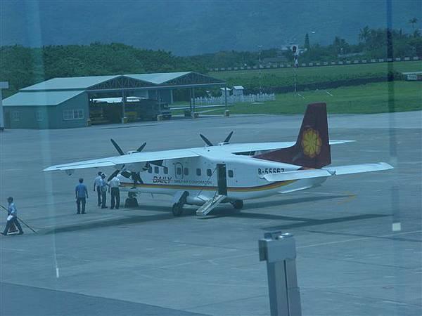 這是台東綠島通行的小飛機