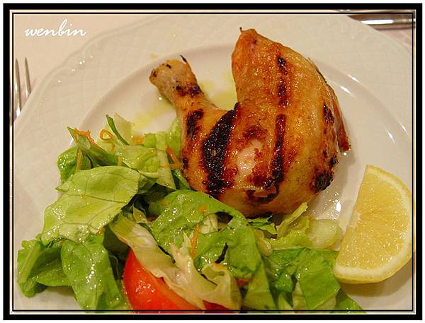 晚餐中的主菜~烤春雞