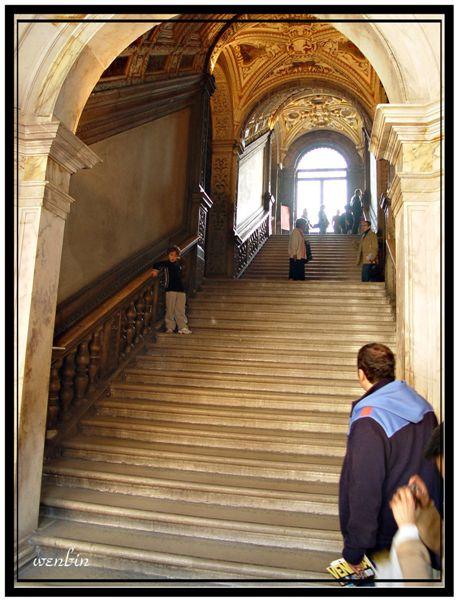 道奇宮的樓梯