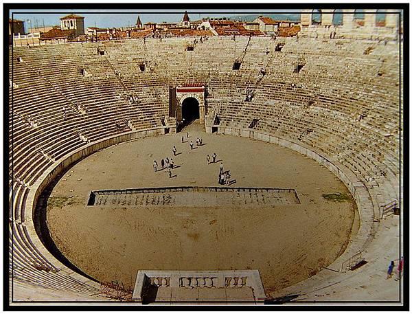 維諾納的競技場(Roman Arena)