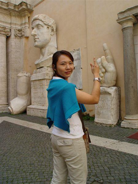 君士坦丁巨大雕像遺跡