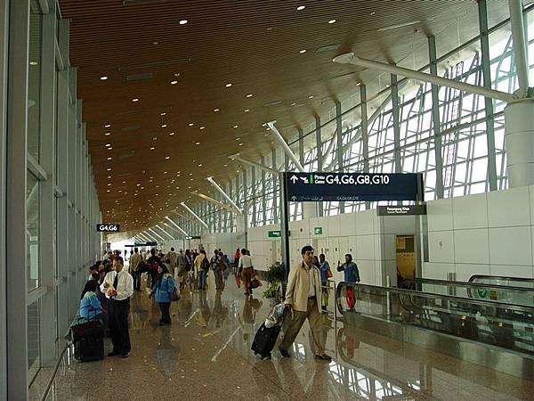 乾淨現代的吉隆坡機場