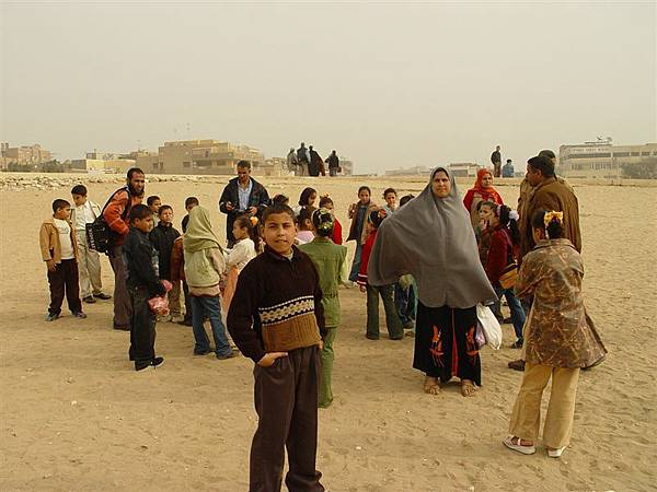 剛好遇到埃及小朋友校外教學