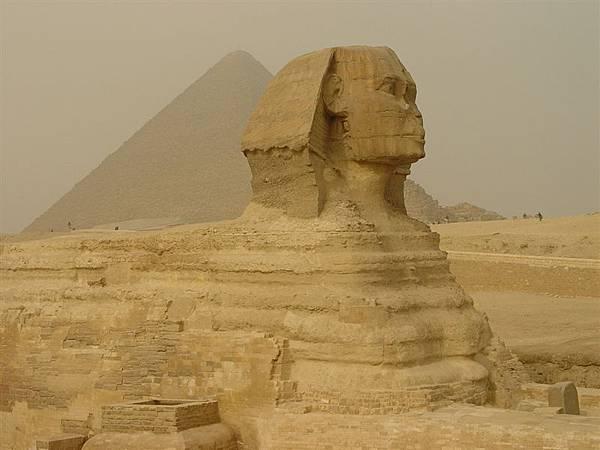 長 50米、高 22 米的獅身人面像