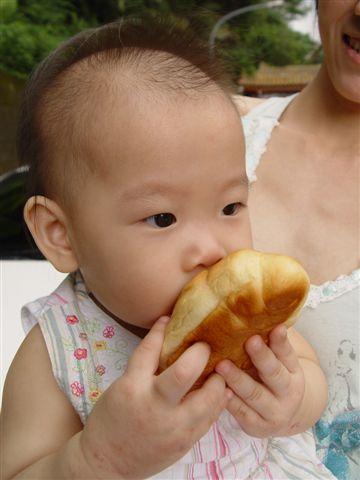傅禹菲肚子餓了