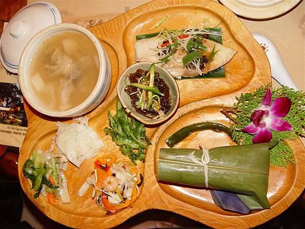 奇業檜木館-月桃紫米有機餐