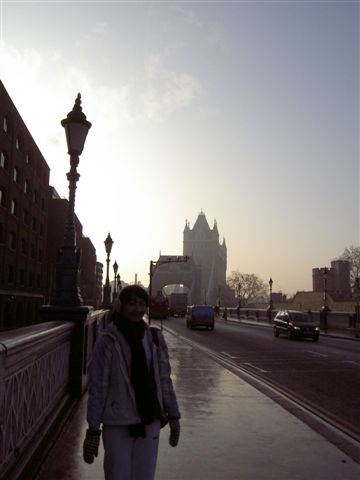 後方就是Tower Bridge