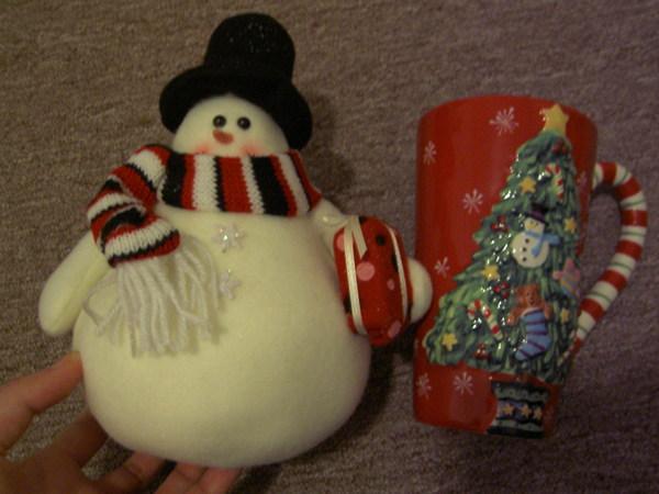左邊是梯瓦送的耶誕禮,右邊是莫妮卡的