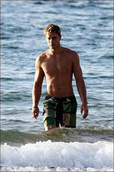 Justin Hartley.jpg