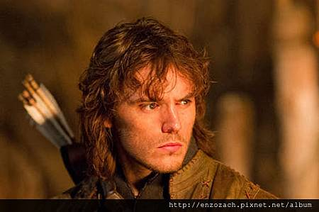 snow-white-huntsman-sam-claflin2