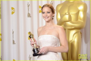 jennifer-lawrence-oscars-press-room-photos-2013-04-300x200