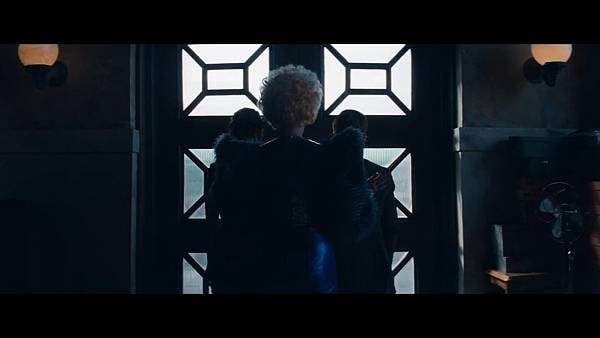 The Hunger Games_ Catching Fire - Exclusive Teaser Trailer_(1080p).mp4_snapshot_00.14_[2013.04.15_17.44.21]