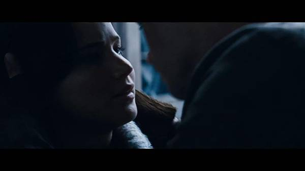 The Hunger Games_ Catching Fire - Exclusive Teaser Trailer_(1080p).mp4_snapshot_01.44_[2013.04.15_17.49.12]