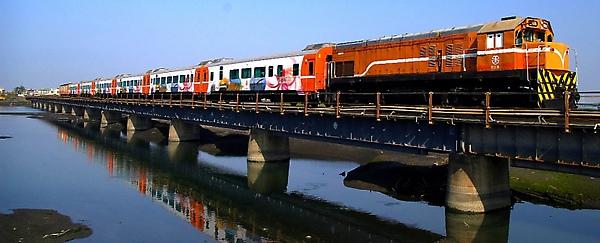 s郵輪式列車00.jpg
