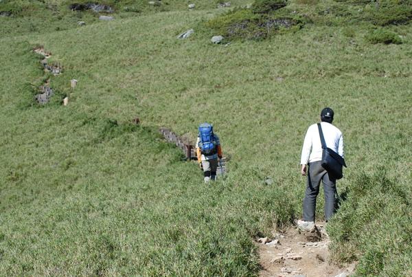 雖然路程不長 可是這一連串的爬坡真的是夠嗆了