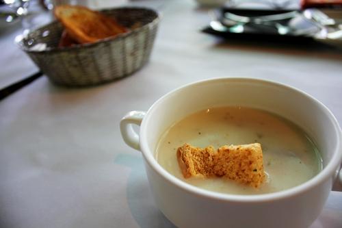 今日湯+大蒜麵包