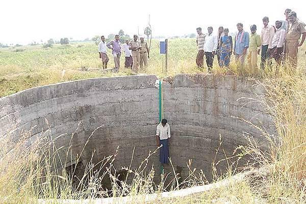 farmer_suicide_20120326