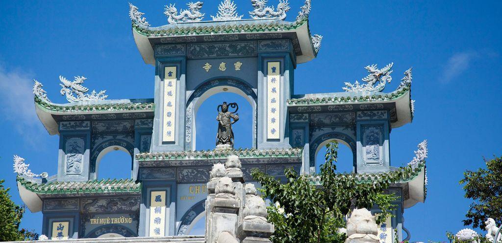 Linh-Ung-pagoda.jpg