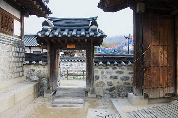 韓國南山古韓屋村_170522_0002.jpg