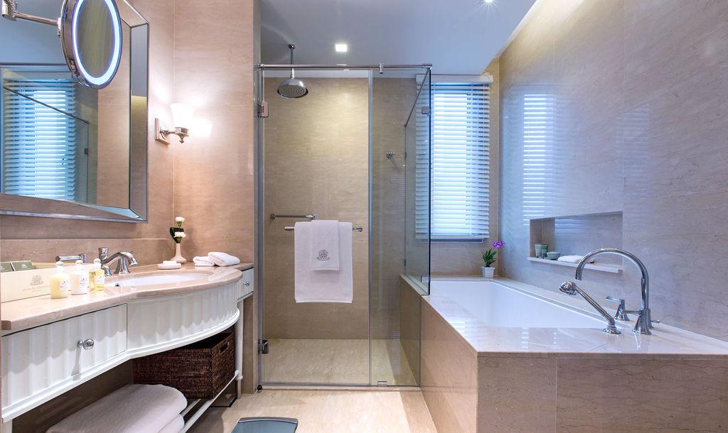 room-grand-deluxe-3.jpg