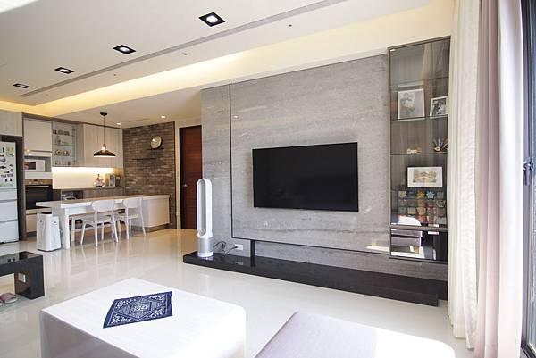 2電視牆 (1).JPG