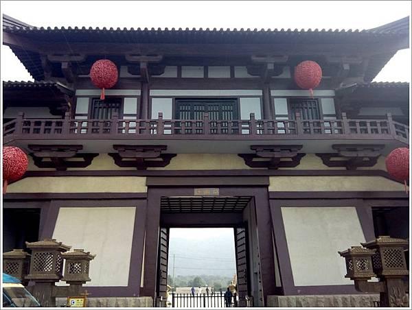 三國城背面.jpg