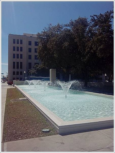Dealey Plaza-2.jpg