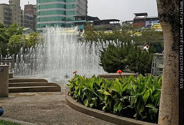 006 ~~艋舺公園 水舞表演~~.jpg