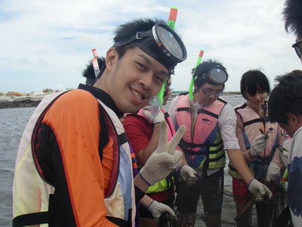 澎湖鳥嶼的第一天-下午行程-踏浪與浮潛09